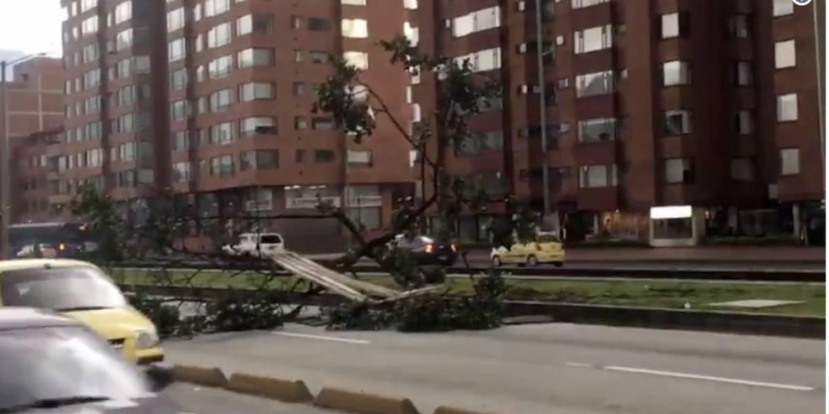 Fuerte ventarrón levantó el techo de dos estaciones de TransMilenio en la calle 26