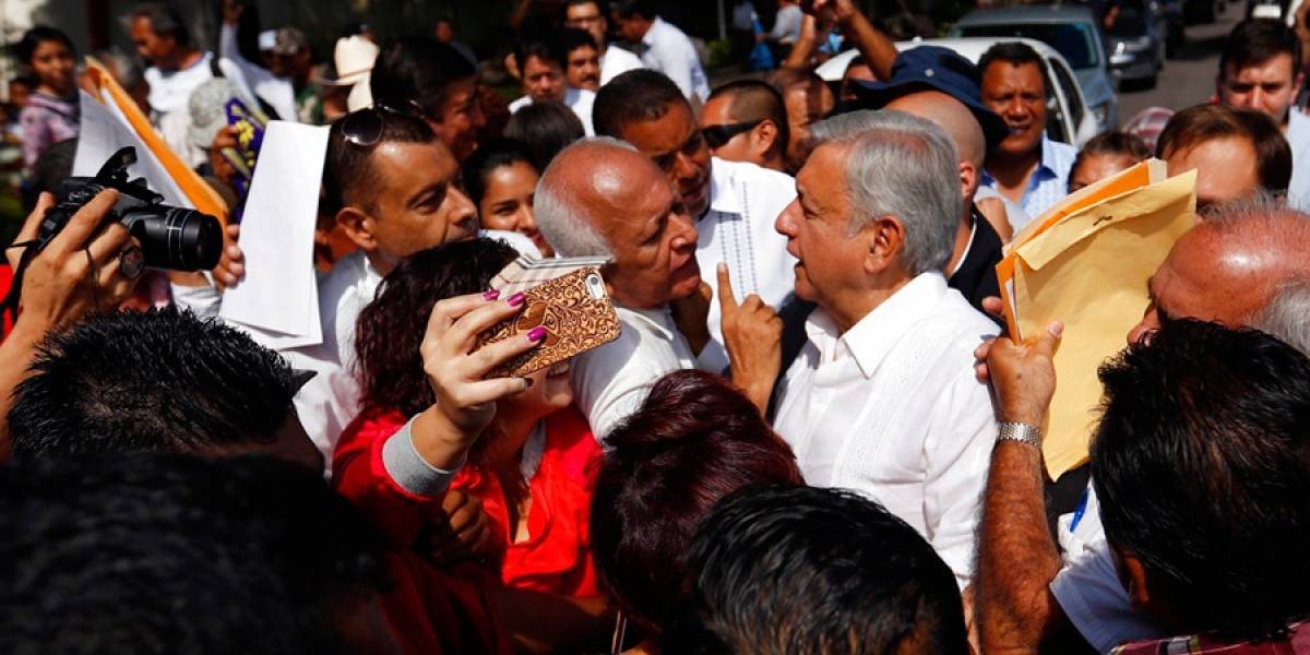 López Obrador presenta a un civil como su jefe de seguridad