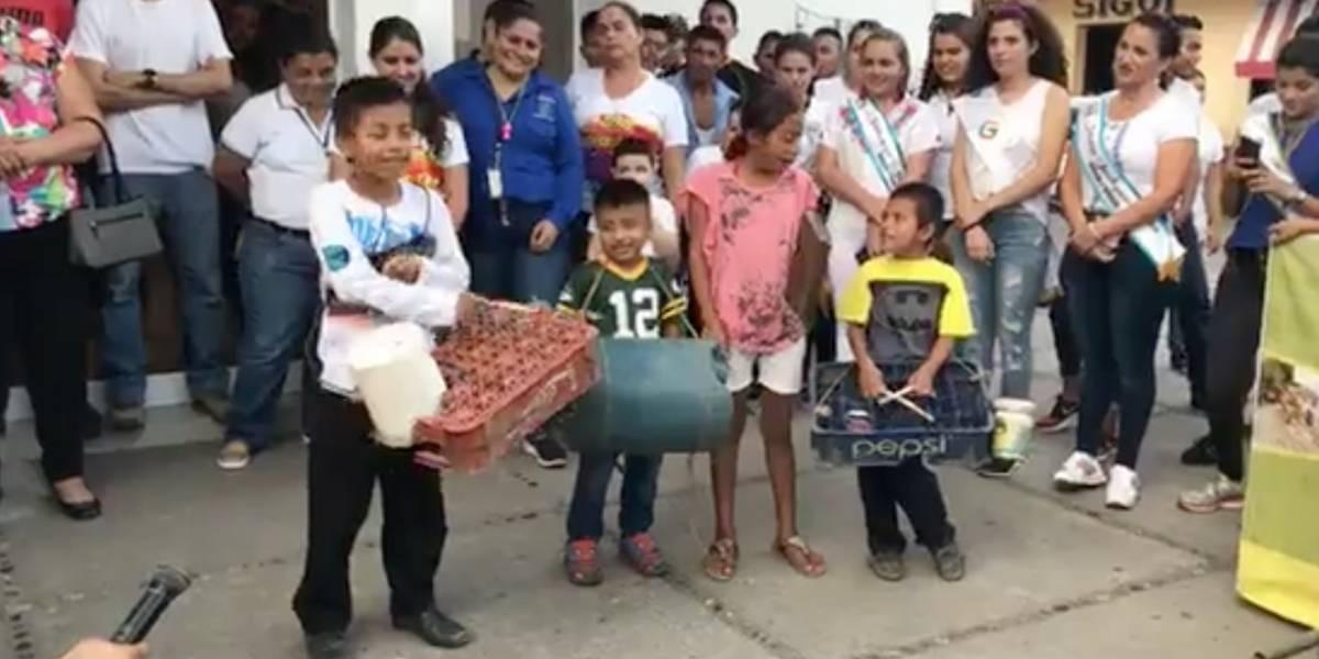"""VIDEO. Niños con instrumentos reciclados """"enamoran"""" en redes sociales por su talento"""