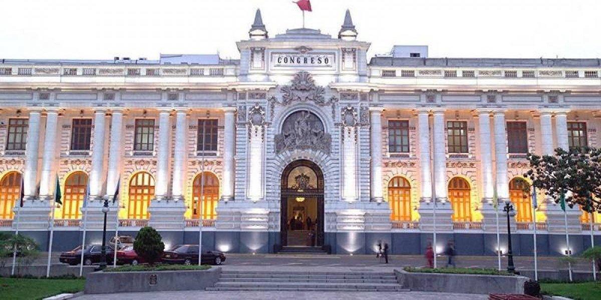 Perú: ¿Puede el presidente cerrar el Congreso?