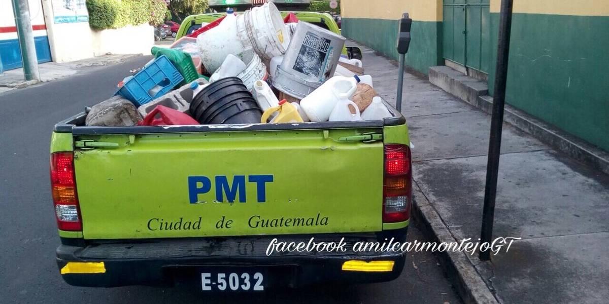 """PMT realiza operativos para retirar obstáculos colocados por """"cuida carros"""""""