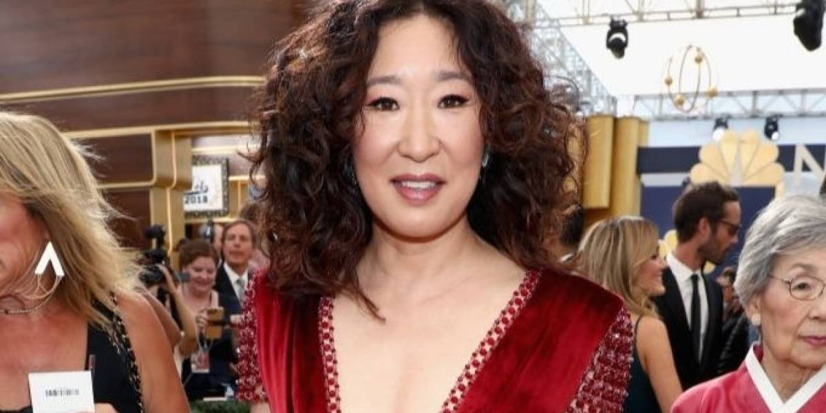 Emmy 2018: Sandra Oh leva os pais à premiação e emociona fãs