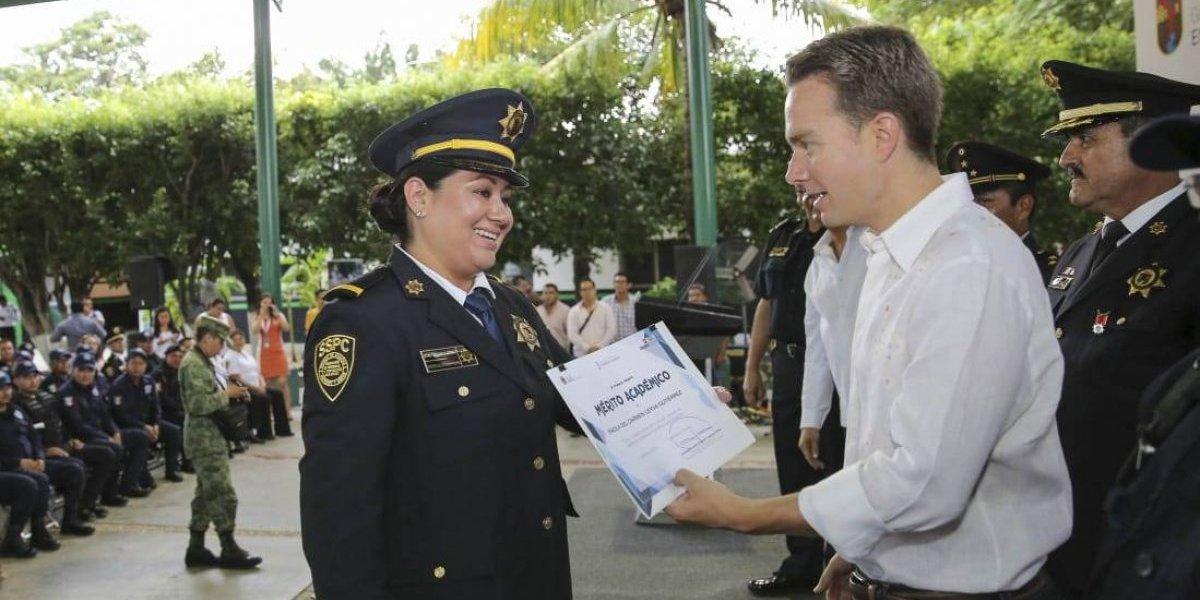 Chiapas entrega mil 397 certificados de profesionalización a policías