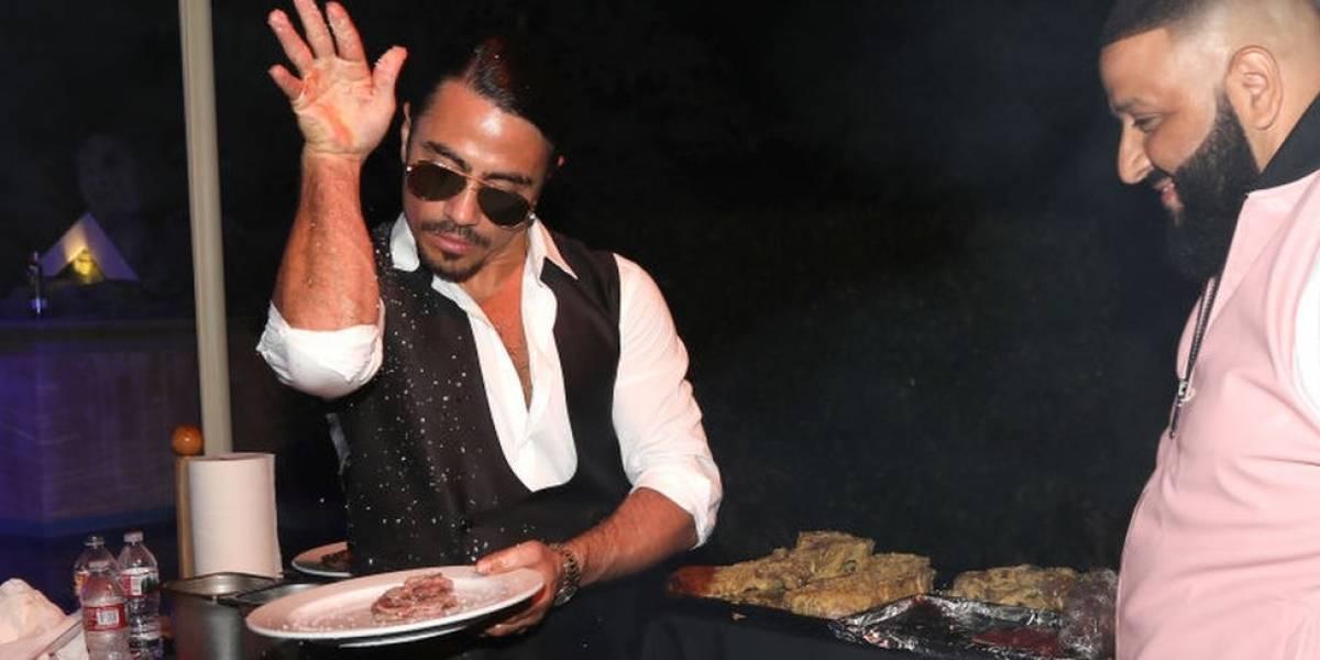 Quién es Salt Bae, el excéntrico chef turco que sirvió la polémica comida a Maduro en Estambul