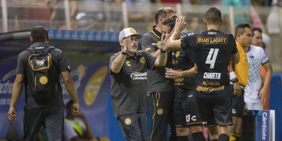 Dorados se impone sobre los Cafetaleros en el debut de Maradona