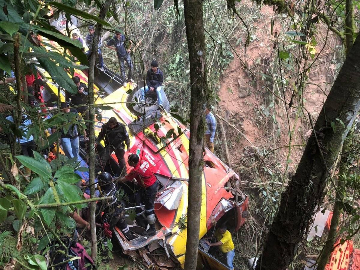 Fiscalía investiga causas de accidente de tránsito en la vía Balsas-Machala AP