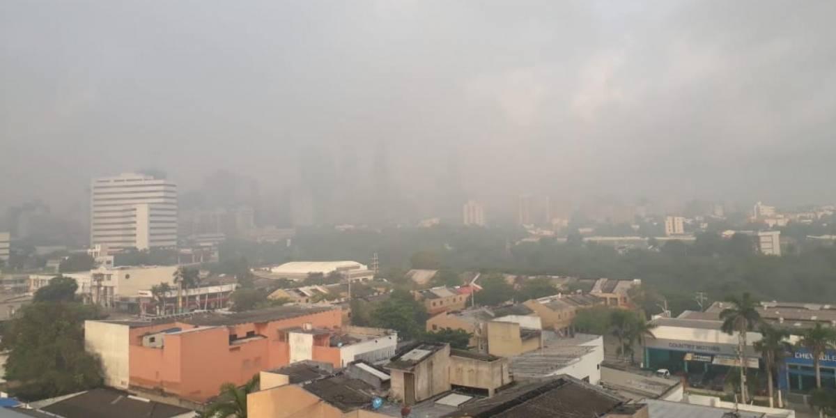 Con nubes de humo amaneció Barranquilla por quema indiscriminada