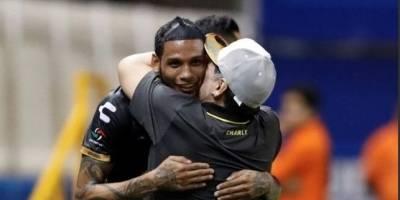"""Maradona regalará un reloj Hublot a Vinicio Angulo por su """"Hat-Trick"""""""