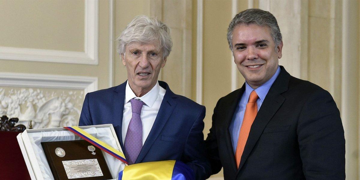 Carlos Antonio Vélez, indignado con el homenaje de Iván Duque a José Pékerman