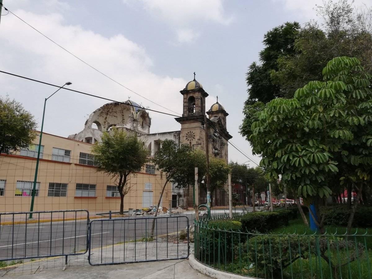 Hay 25 metros de distancia entre la parroquia y la escuela. Nicolás Corte/Publimetro