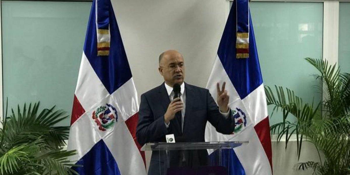 Domínguez Brito propone el cierre de tres consulados dominicanos en Haití