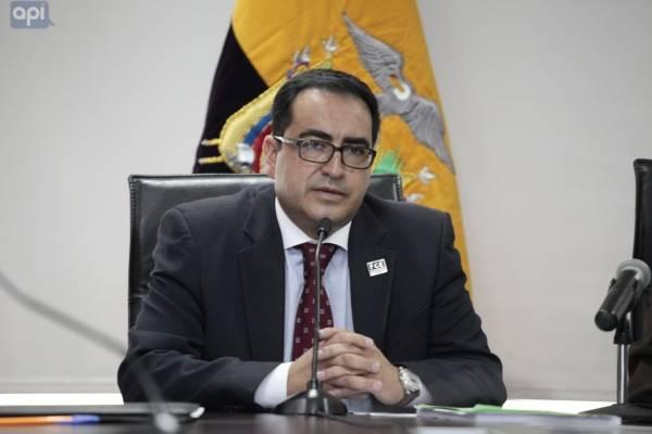 Fiscalía aclara motivo de renuncia de fiscal Paúl Pérez Reina