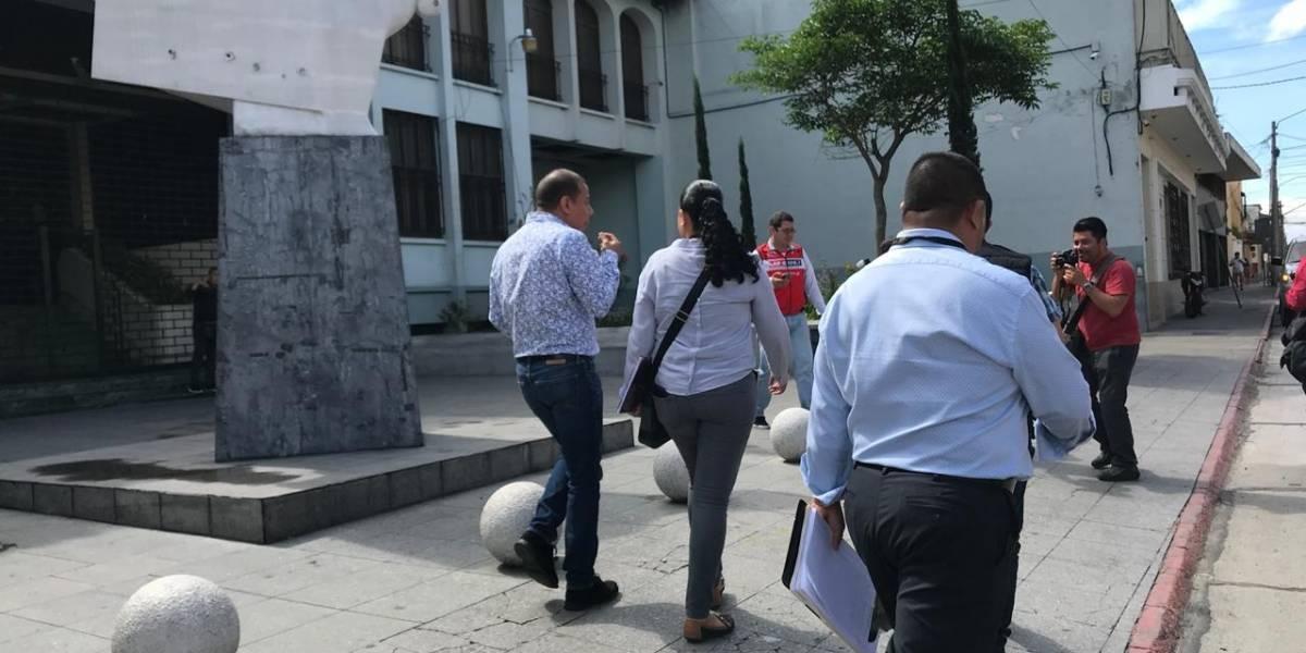 """Realizan reconstrucción de hechos en seguimiento a pesquisas por mujer """"infiltrada"""" en conferencia"""