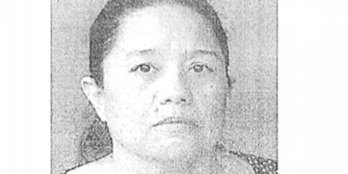 Acusan a mujer de robar $33 mil a sus padres