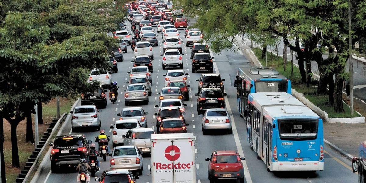 Paulistanos usam mais apps e deixam o ônibus