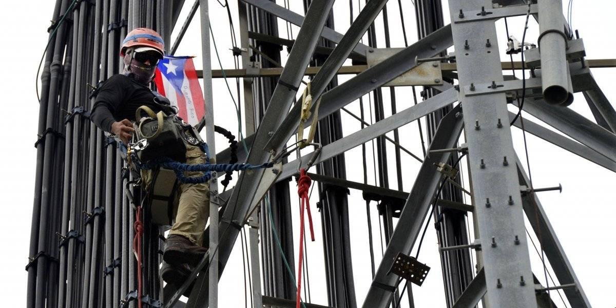 Critican manejo de la FCC a manejo de colapso de telecomunicaciones tras huracán María