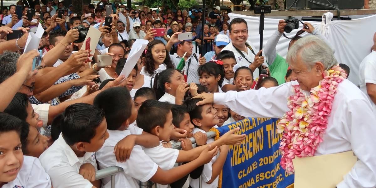 AMLO anuncia 38 mil mdp para programas sociales en Oaxaca