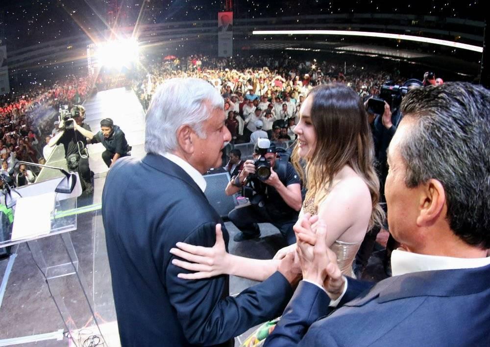 La interprete se mantuvo muy cercana al ahora presidente electo durante su campaña electoral. Foto: Cuartoscuro