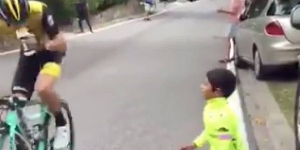 Video de niño que animaba a ciclista en plena subida se hace viral