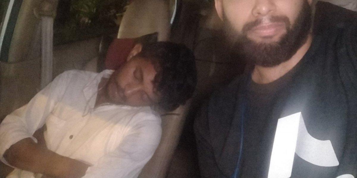 Conductor de Uber fue a buscar borracho a su pasajero: cliente decidió manejar el auto y lo mandó a dormir al asiento del copiloto