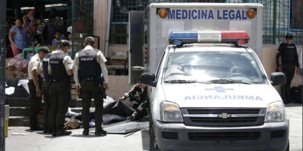Quito: Una balacera dejó un muerto en el mercado de Chiriyacu