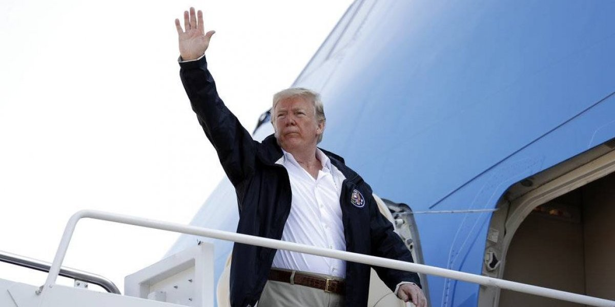 FOTOS. Trump visita las zonas afectadas por Florence y promete ayuda
