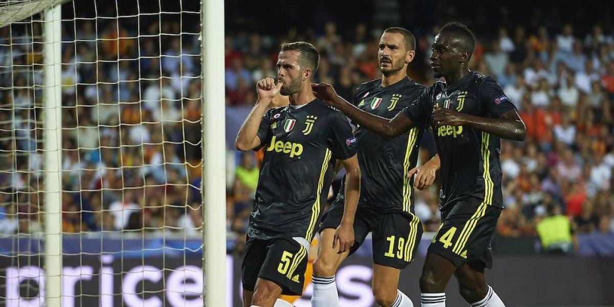 Juventus arranca con triunfo en la Champions pese a expulsión de CR7