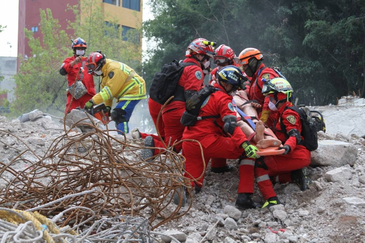 Además, protección Civil presente en simulacro de la CDMX Foto: Nicolás Corte | Publimetro