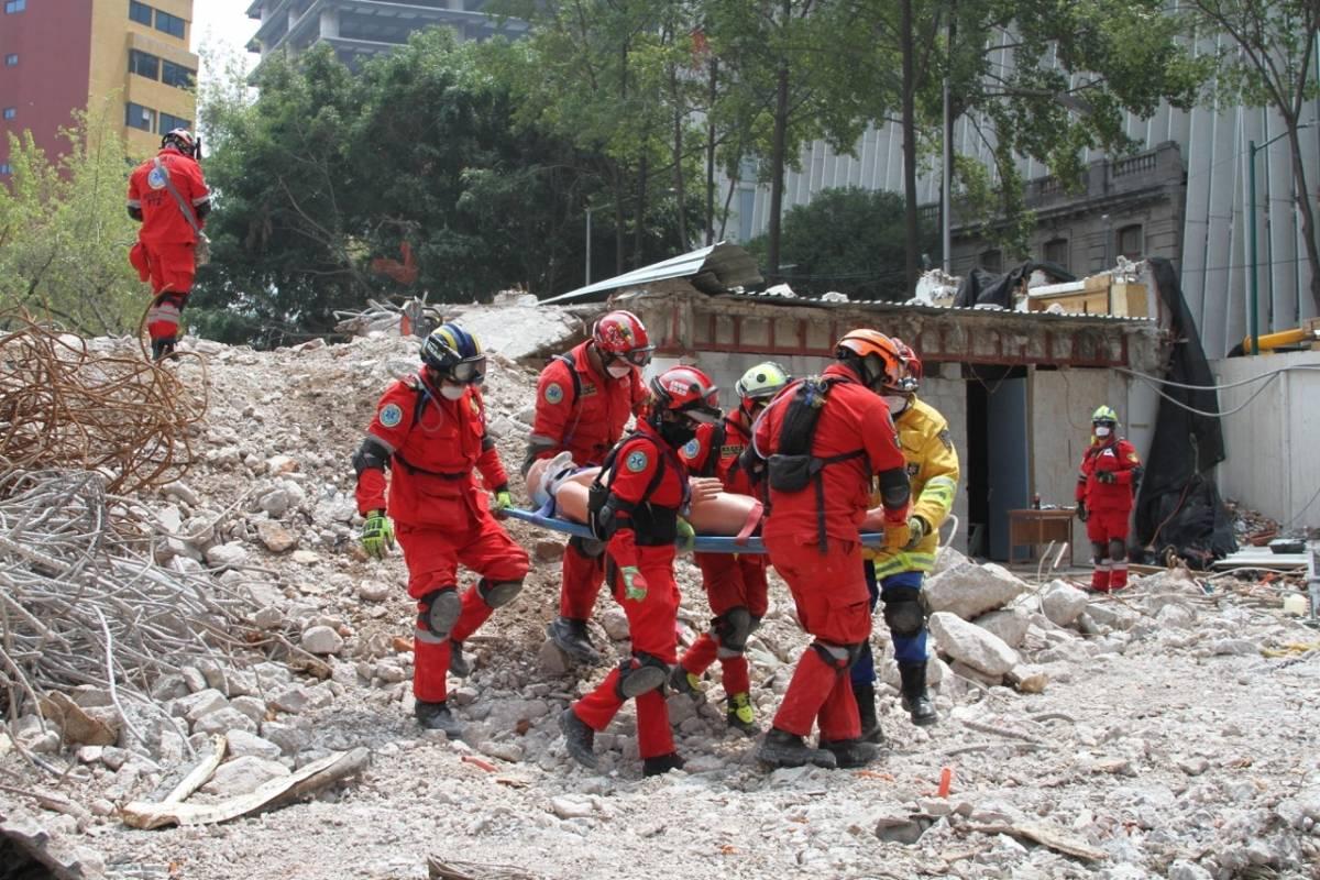 Elementos de Protección Civil actuaron en megasimulacro Foto: Nicolás Corte | Publimetro