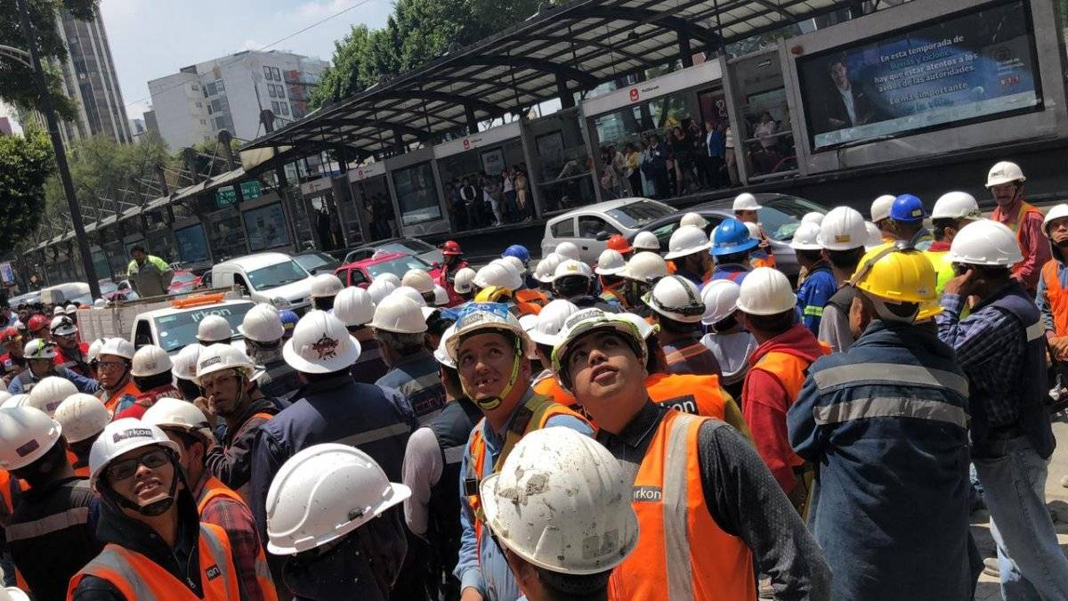 Millones salieron a las calles de la CDMX, otros permanecieron en la zonas de seguridad de sus centros de trabajo o escuela Foto: Publimetro