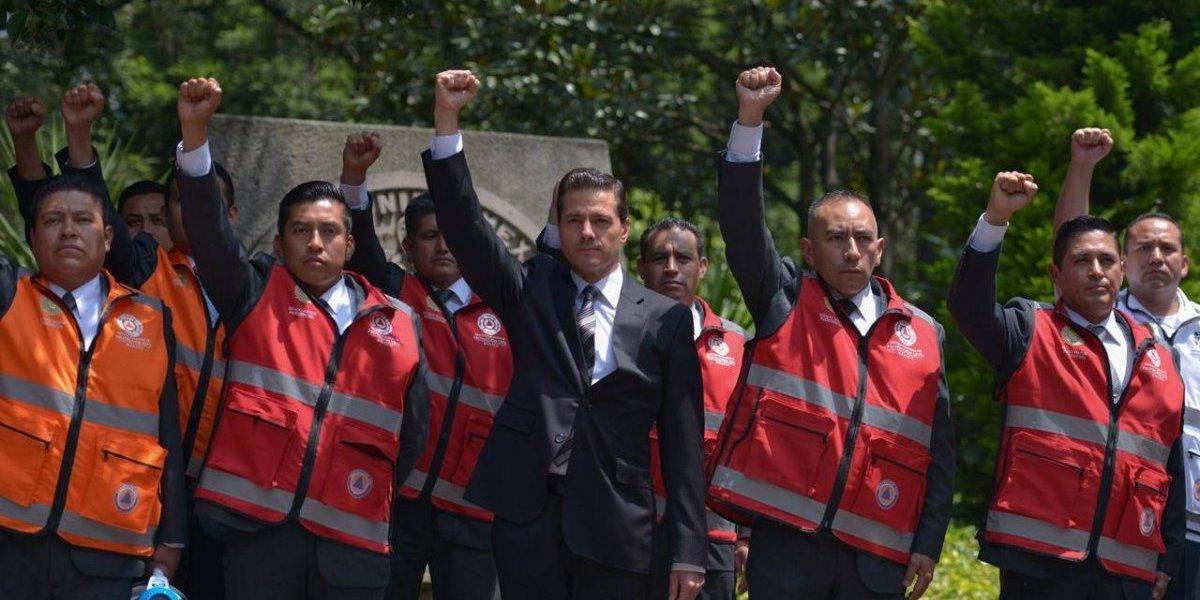 Peña Nieto guarda minuto de silencio por víctimas del 19S