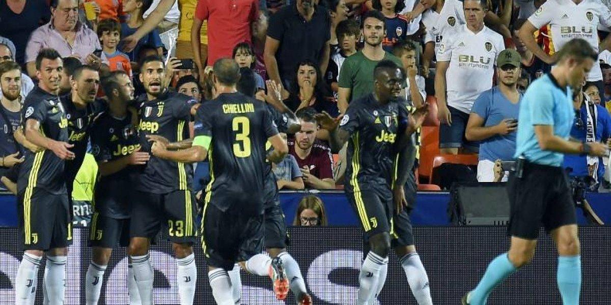 La Juventus juega sin su astro, expulsado, pero debuta con victoria