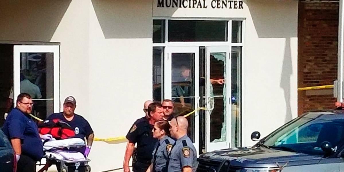 Hombre armado hiere a 4 personas afuera de un tribunal de Pensilvania