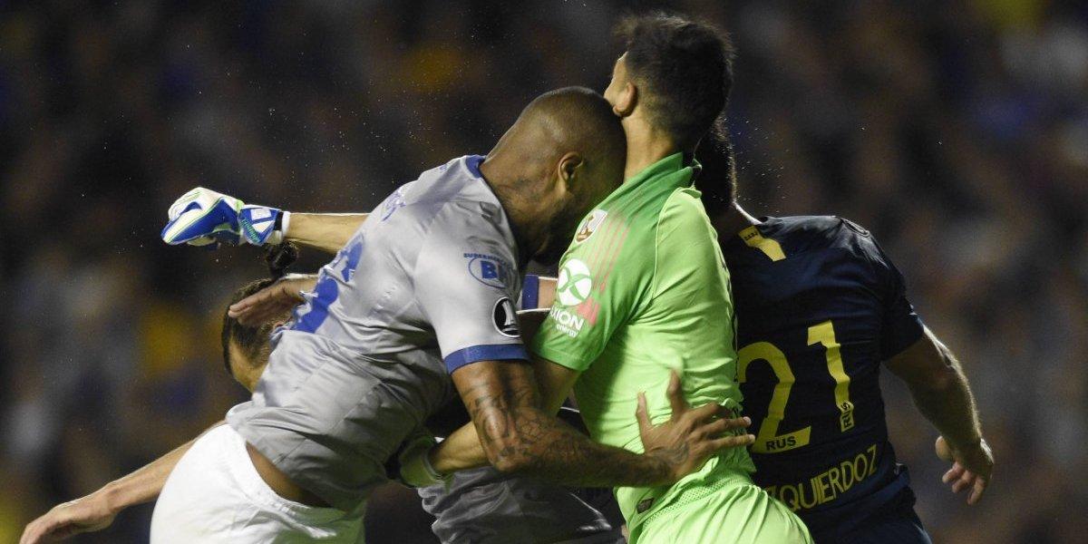 """""""#VerguenzaConmebol"""": El VAR desató la polémica en el Boca-Cruzeiro y en Brasil ya hablan de """"atentado contra el fútbol"""""""