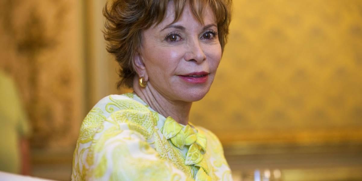 Isabel Allende recibe Premio Nacional honorario en EEUU