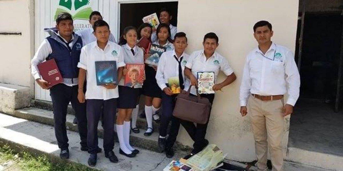 """""""Mi primer biblioteca"""", es mejor tomar un libro que un arma en Guerrero"""
