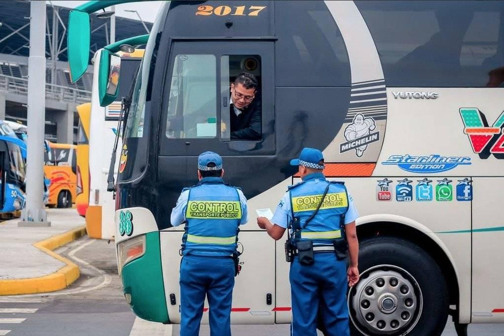 Solo un bus pasó Revisión Técnica Vehicular de ATM en terminal de Guayaquil ATM
