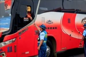 Solo un bus pasó Revisión Técnica Vehicular de ATM en terminal de Guayaquil