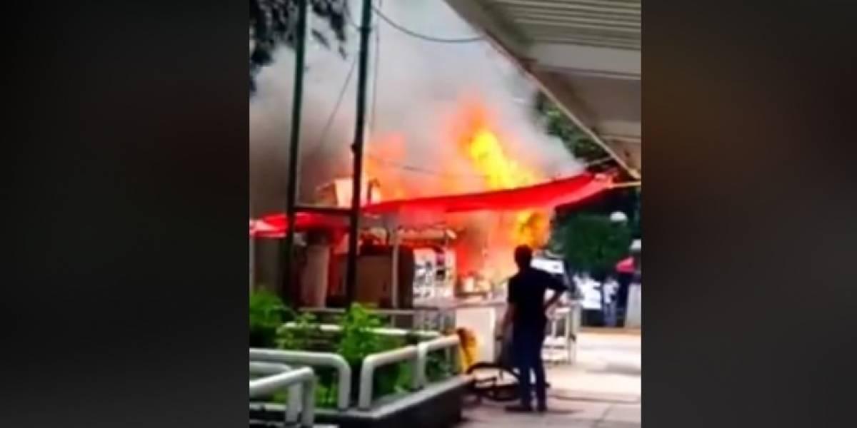 Puesto de tacos se incendia afuera del metro Chilpancingo