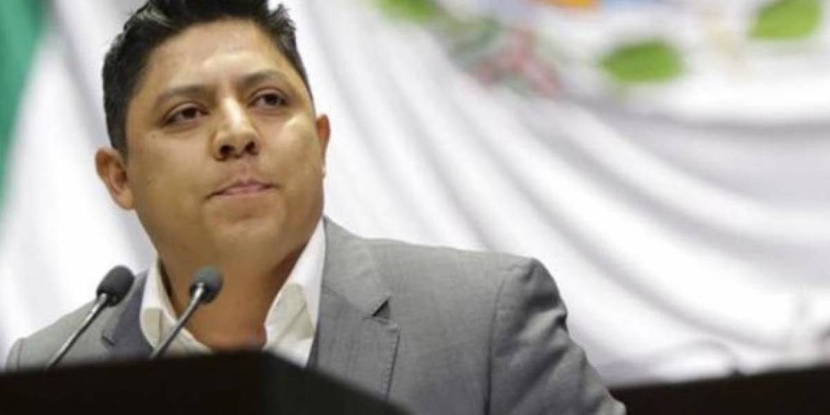 """Critican a coordinador del PRD por decir """"ponido"""""""