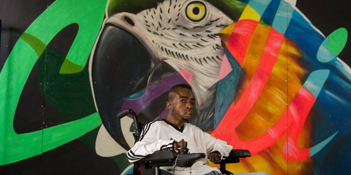Él es 'Carlitos', el artista en el que está inspirado el lema de la 4 Bienal de Muralismo y Arte Público de Cali