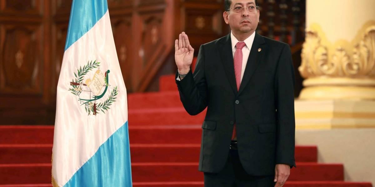 Sergio Recinos es juramentado como presidente del Banguat