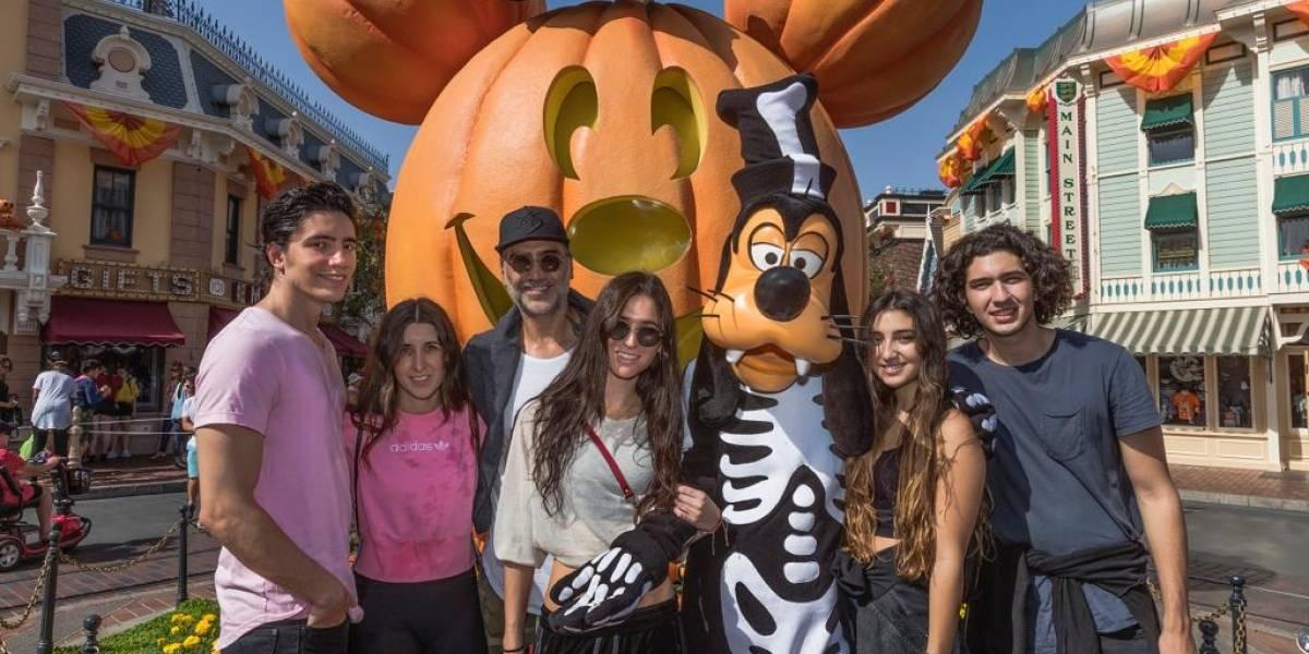 Alejandro Fernández disfruta Halloween en familia… ¡sin sus gemelas!