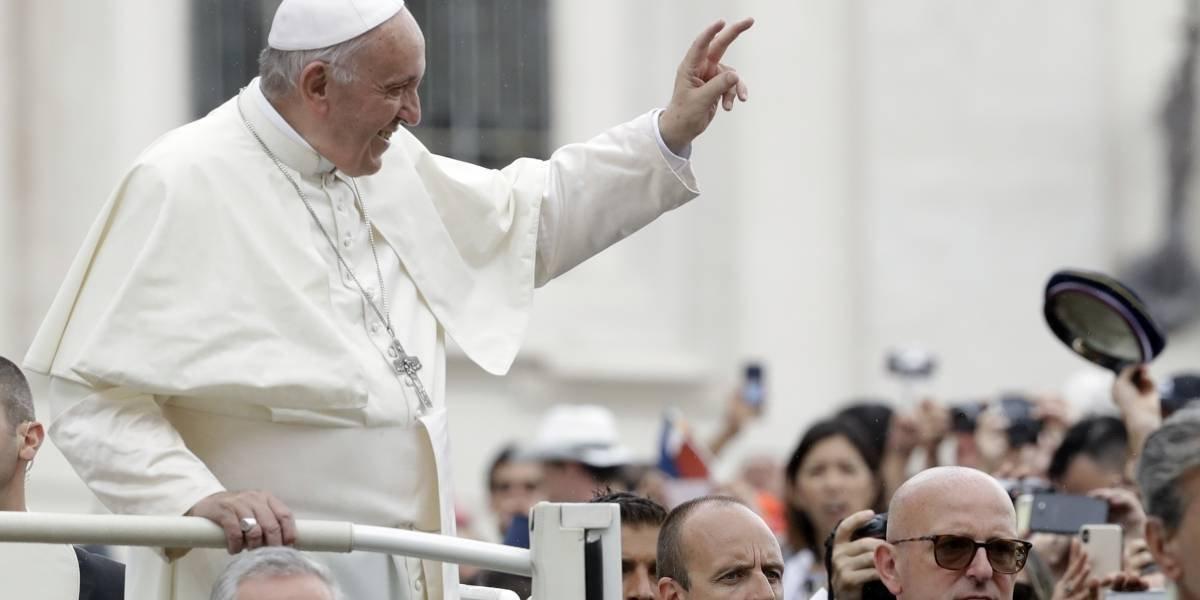 Papa Francisco acepta renuncias de obispos