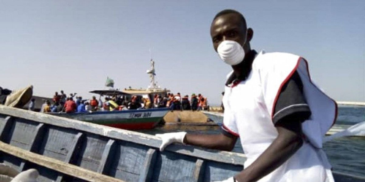 Y podría aumentar: ya van más de 130 muertos tras naufragio de ferry en Tanzania