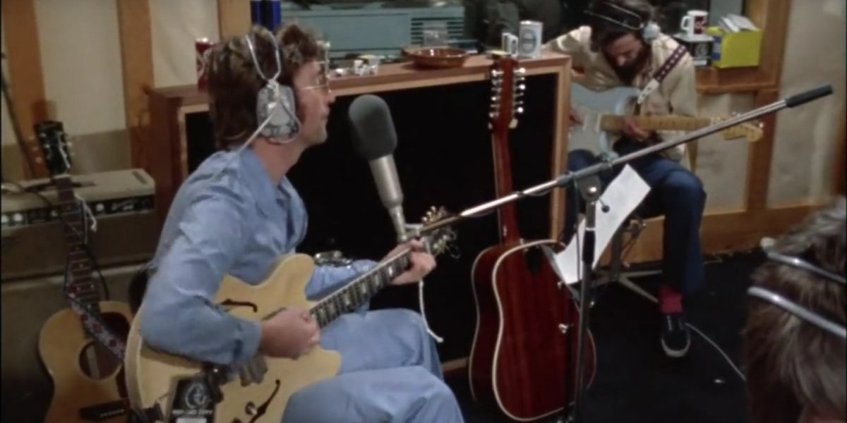 Revelan video de John Lennon y George Harrison grabando una canción contra Paul McCartney