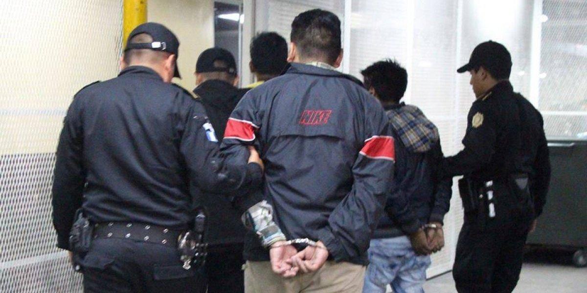 Entre capturados con droga en zona 1 habría un trabajador del Sistema Penitenciario