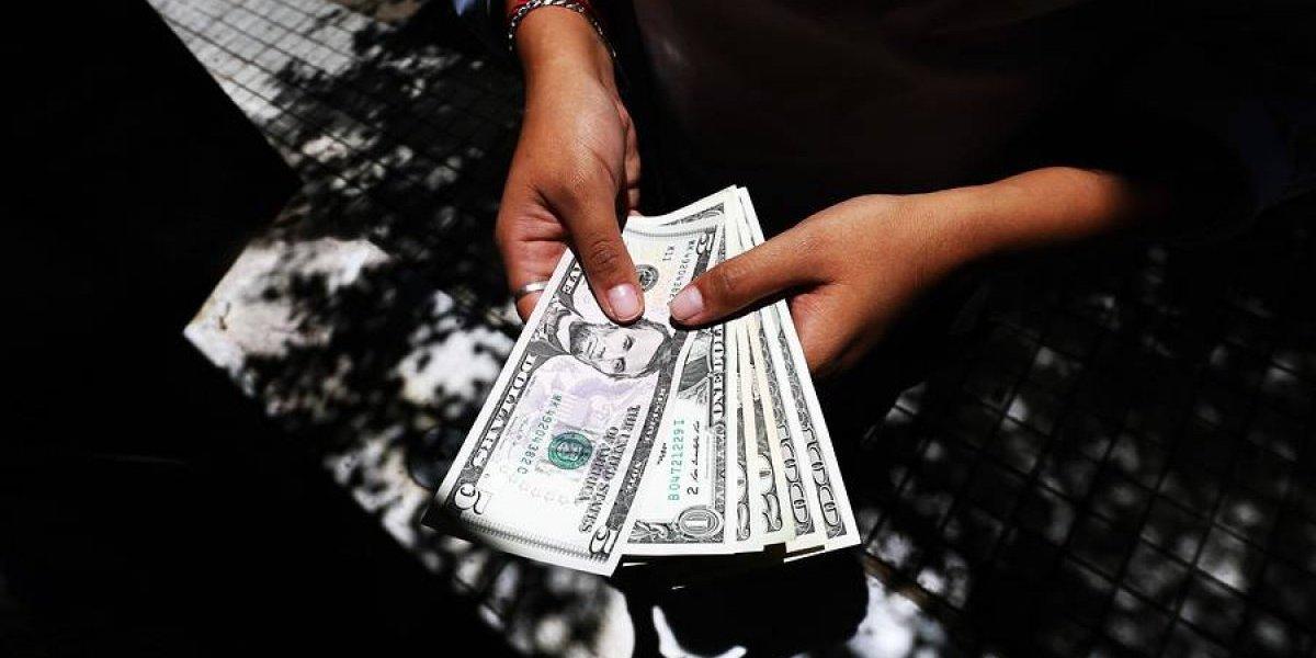 Dólar despide mayo valiendo $33 más que al principio del mes