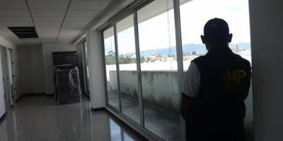 diputados realizan recorrido en edificio del Ministerio Público