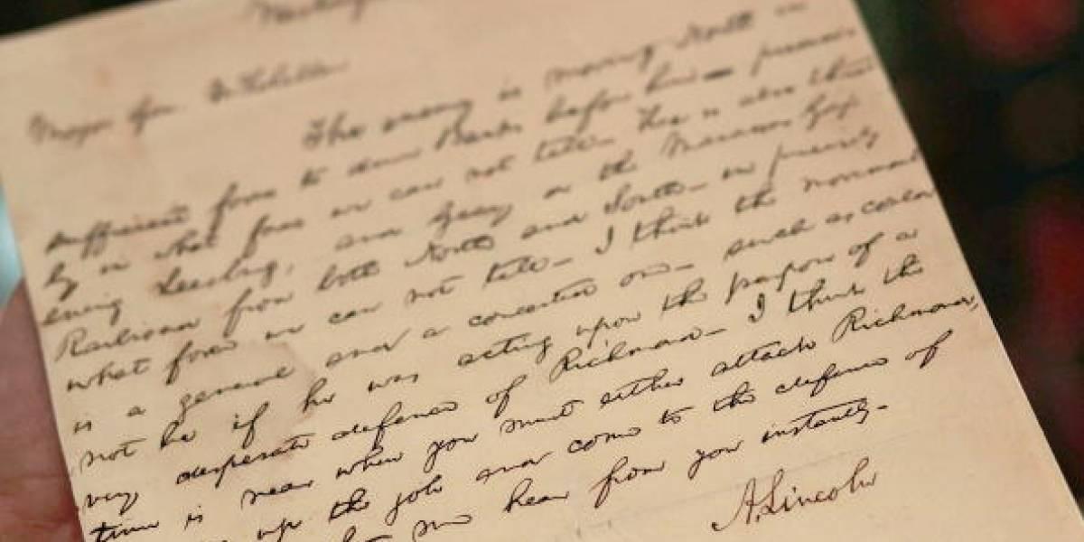 Dejó emotivo mensaje dentro de una botella y 88 años después su nieto la encontró